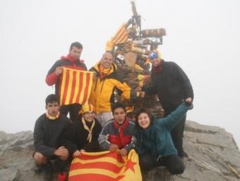 Els membres de Pineda que van anar a l'Aplec dels Feixos EL CAU