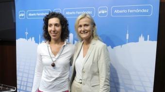 Maria Elisa Casanova, novena de la llista del PP a Barcelona, amb la portaveu Àngels Esteller JOSEP LOSADA