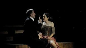 Max Estrella (Lluís Soler) i Enriqueta La Pisa Bien (Màrcia Cisteró) BITO CELS
