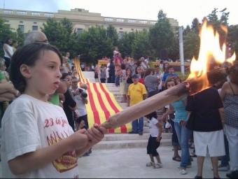 La flama del Canigó arribant als jardins del Xifré