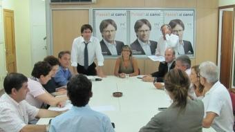 El grup municipal de CiU de Girona va fer ahir l'última reunió abans que avui assumeixi el govern de la ciutat amb Puigdemont com a alcalde D.V
