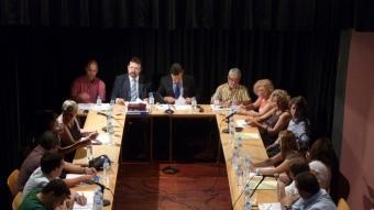 Una imatge del ple de constitució de Tordera del nou cartipàs ahir a la sala petita del Teatre Clavé. T.M