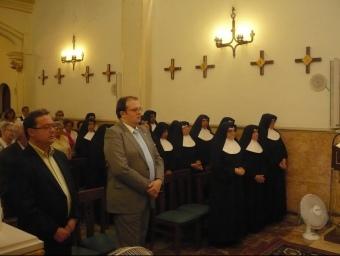 Missa de comiat a les monges amb la presència de l'exalcalde, Ramon Vinyes i l'alcalde, Estanis Fors. E.F