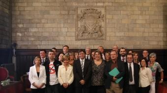 Una foto de grup dels 25 regidors del nou ajuntament de Girona.  CLICK ART FOTO / D.V