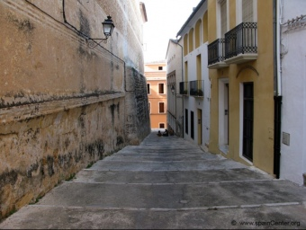 Un carrer del nucli antic d'aquesta localitat de la comarca de la Safor. ARXIU