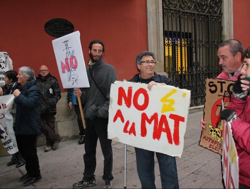 Un protesta contra la MAT a Lleida. D.M