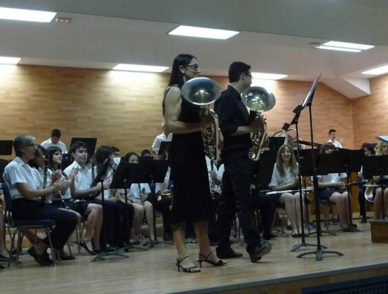Carme Luz i David Quílez abans de començar el concert per a dos bombardins. ESCORCOLL