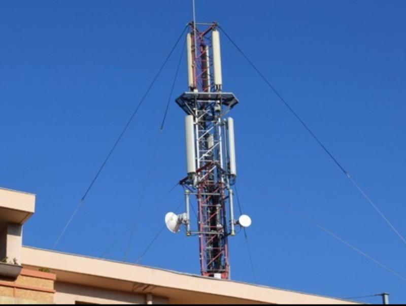 Antenes en un terrat de Perpinyà. ARXIU