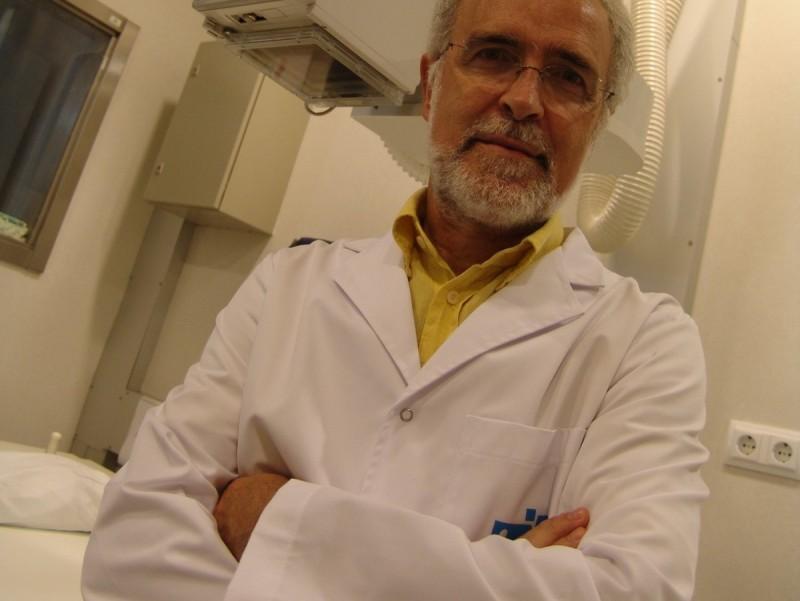 Joaquim Pellejà a l'àrea de radiologia del Pius. A. ESTALLO