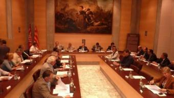 La Diputació de Girona, en una imatge que correspon al ple d'aprovació del nou cartipàs. J.T