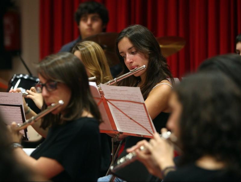 Alumnes de l'escola municipal de música de l'Eixample, en una imatge d'arxiu. ORIOL DURAN