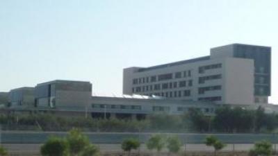 Imatge de l'edifici de l'Hospital de Llíria a la vora de la CV-35. ESCORCOLL
