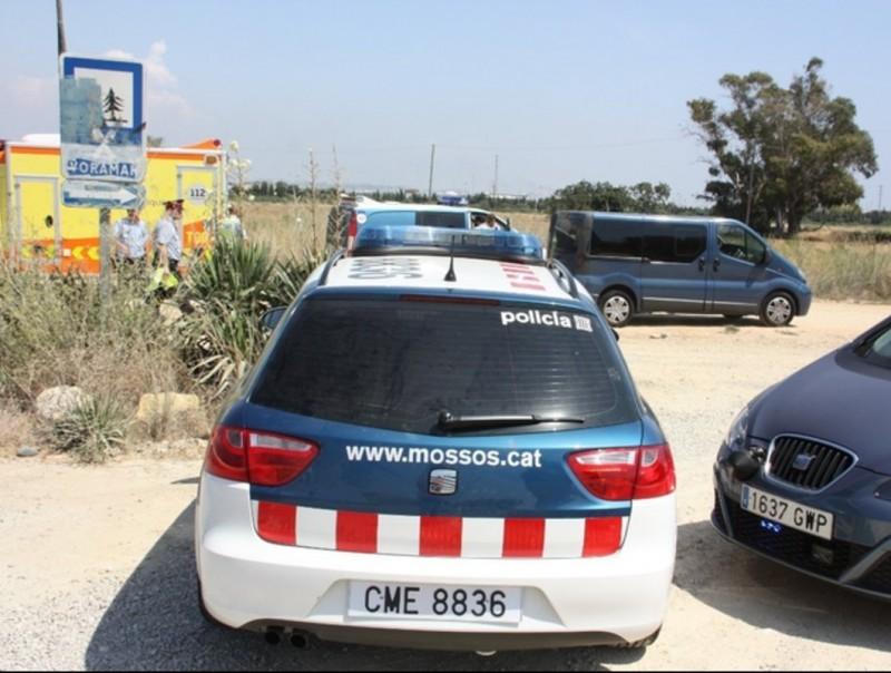 Mossos i serveis mèdics a Vila-seca, on divendres va morir un motorista M. CERVELLÓ