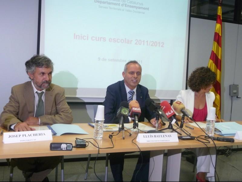 L'inspector en cap , Josep Placheria; el director dels Serveis Territorials, Lluís Baulenas; i la directora adjunta, Empar Garcia, durant la presentació del nou curs M.C.B