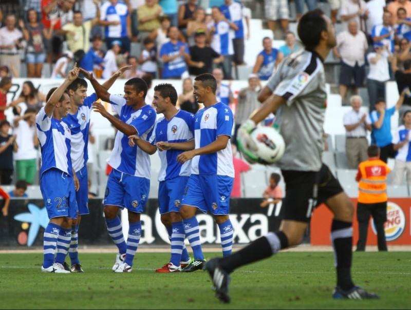 El Sabadell es va sobreposar a l'eliminació de Copa a Alcorcón remuntant, una vegada més, a casa contra el Cartagena. ALBERT SALAMÉ