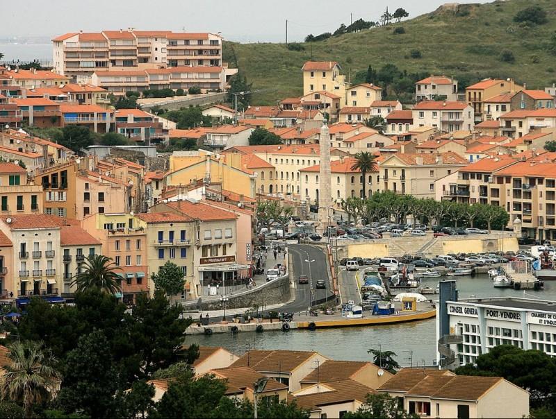 Vista de la població de Portvendres a la Costa Vermella nord-catalana. MANEL LLADÓ