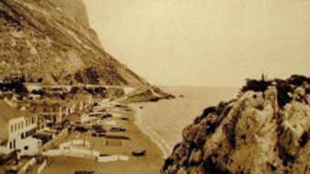 Imatge antiga de Catalan Bay, situada a Gibraltar.  ARXIU