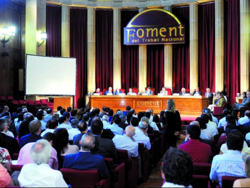 L'acte unitari a Foment del Treball va aplegar més de 400 empresaris i professionals.