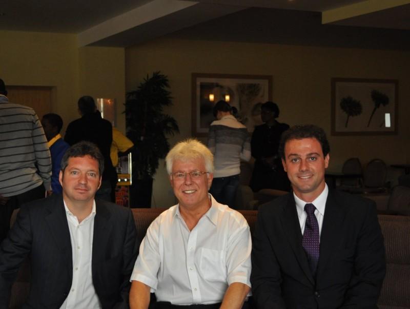 Blázquez, Price i Marco , després de la votació d'ahir que va donar el reconeixement a la federació catalana. F.S