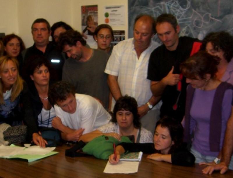 Un grup de pares contraris al pagament del transport escolar ACN