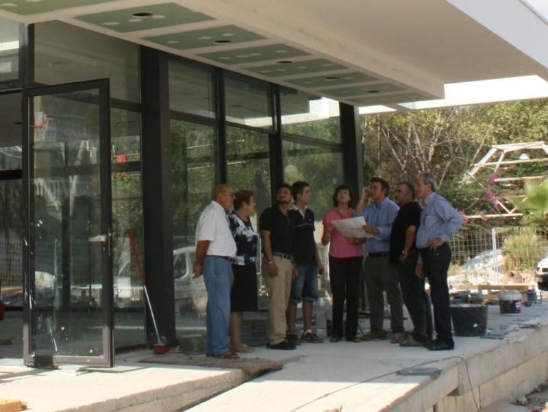 L'equip de govern fa una visita a les obres de la Llar del Jubilat. E.SORIANO