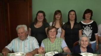 La família Els Castro, que van participar a un programa d'Antena 3 sobre diferents nuclis familiars.  ARXIU