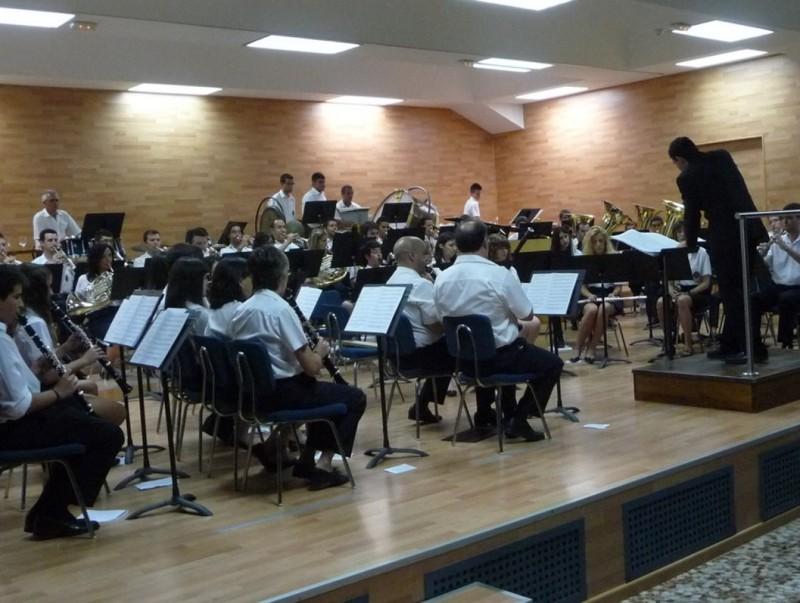 La Unió Musical de Villar està dirigida per Eduard Nogueroles. ESCORCOLL