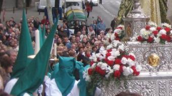 Un dels passos de la darrera processó de Setmana Santa, al barri de Llefià J.G