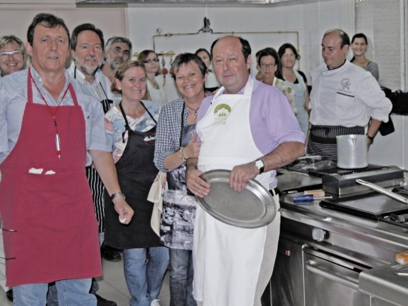Taller de cuina de l'escola d'adults de Bellreguard. CEDIDA