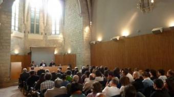 La Sala de Graus, de la Facultat de Lletres, va ser el marc on va tenir lloc la conferència de González de Cardedal. J.T