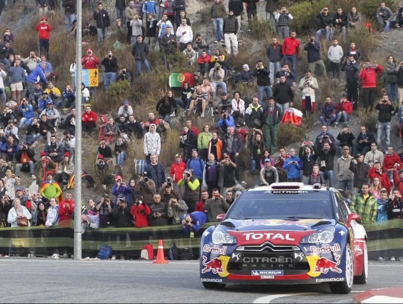 Sébastien Loeb ataca en un dels últims trams de l'etapa d'ahir. DIMAS BALAGUER