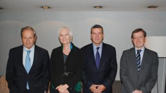 Candidats lleidatans tot i que falta la cap de llista del PSC, Tere Cunillera. A la foto, Llorens (PP), Tarruella (CiU), Boya (PSC) i Castellana (ERC). J.T