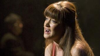 Julie Atherton, una jove estrella del West End, va excel·lir en la interpretació de Cathy LLUÍS SERRAT