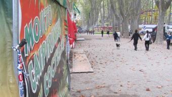 """La parada """"Cocteleria"""" amb el discret precinte policial ahir a la tarda D.V"""