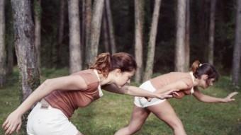 Dues de Les Filles Föllen, en ple exercici. F.F