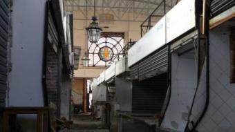 L'interior del mercat Maignon, espai inhòspit quan no té vida MARTA MEMBRIVES