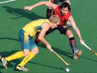Eduard Tubau en una acció del mundial de l'any passat a Nova Delhi contra Austràlia, precisament el rival dels espanyols en el debut EFE