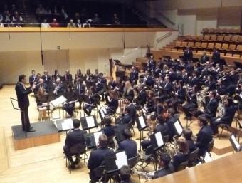 Moment de l'actuació de la Banda Simfònica de Villar al Palau de la Música dirigida per Eduard Nogueroles Bermúdez. ESCORCOLL