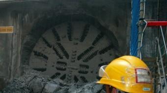 La tuneladora del TAV fent forat a Girona. JOAN SABATER