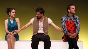 El trio protagonista de 'Cock'. LA MARRONETA