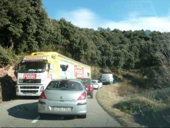 Els problemes de trànsit a l'antiga carretera del Capsacosta van ser evidents mentre va estar tancat el túnel de Collabós. J.C