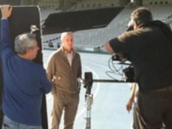 Una imatge de l'espot , amb Cruyff al centre. FCF