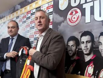 Andreu Subies i Johan Cruyff , en la presentació de la llista de convocats de Catalunya per al partit de divendres que ve al Lluís Companys contra Tunísia. JOSEP LOSADA