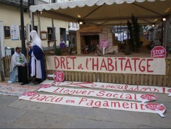 Una acció contra els desnonaments i a favor de la dació en pagament, a Blanes  ARXIU