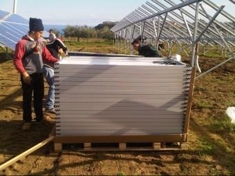 Imatge d'empleats d'una empresa ja consolidada dedicada a l'eficiència energètica.  ARXIU