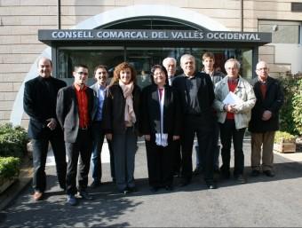 Els integrants de la Comissió de Petits Municipis, els nou alcaldes i Pepita Pedraza CCVOC