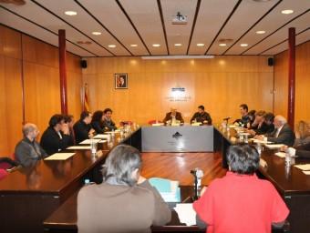 Un moment del ple del Consell del Ripollès, celebrat anit. EL PUNT AVUI