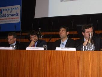 Santiago Garcia Milà, Ricard Font, Vincent Dumas i Romain Grau durant la taula rodona a Perpinyà. J.M.ARTOUZOUL