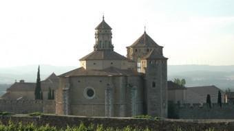 Eduard Toda va contribuir econòmicament i tècnica a la reconstrucció i restauració del Reial Monestir de Poblet.  ARXIU