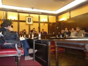 Esteve Serrano va presidir el ple davant l'absència de Núria Parlon per malaltia. S.M